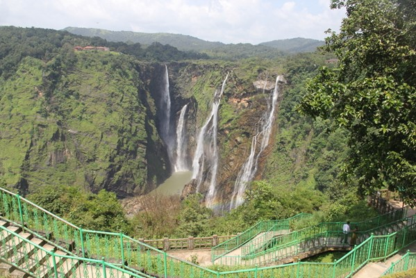 Find Tourist Places And Attractions In Karnataka